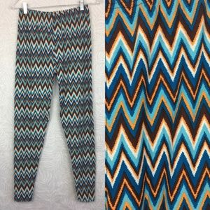 NWT HONEY & LACE Plus Size Curvy Leggings Chevron